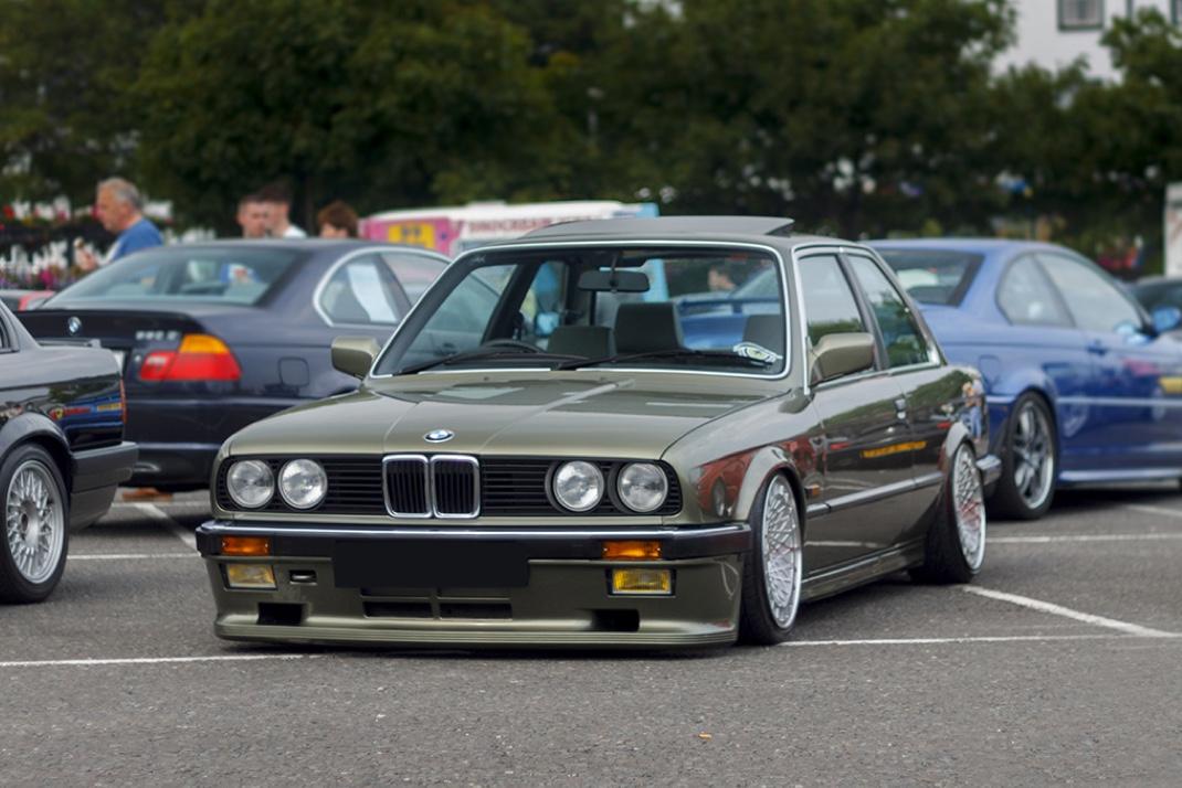 Richard Smyth's BMW E30 on Airlift Air Suspension