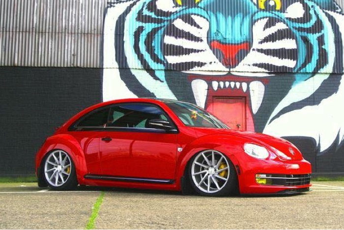 Natasha Walker's Volkswagen Beetle on Airlift Air Suspension