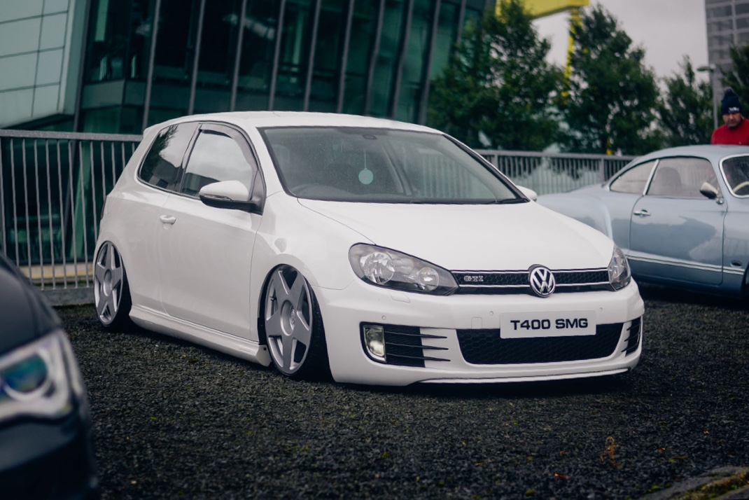 Stephen McGuigans' Volkswagen Golf on Airlift Air Suspension